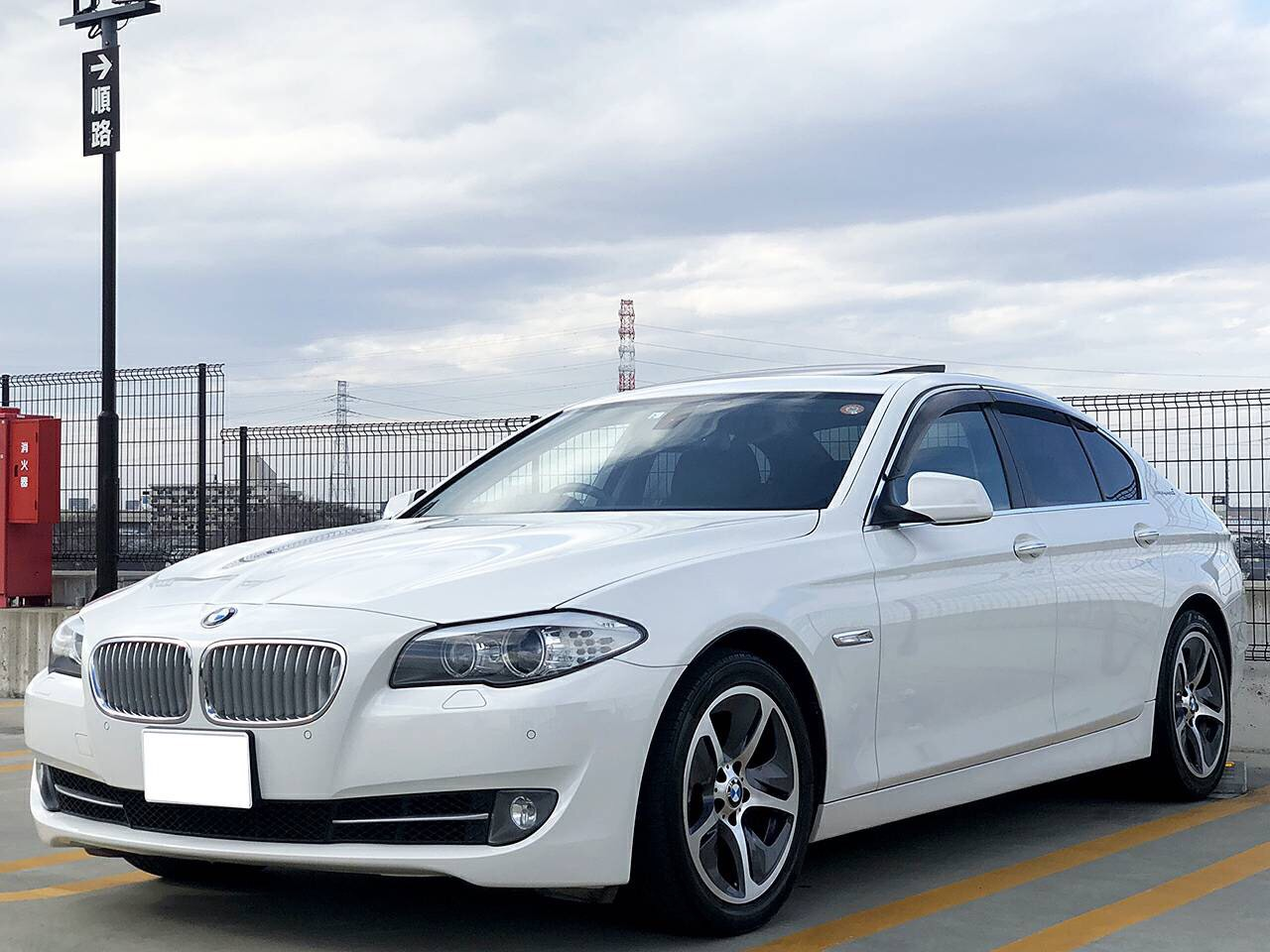 金融車BMW ActiveHybrid 5